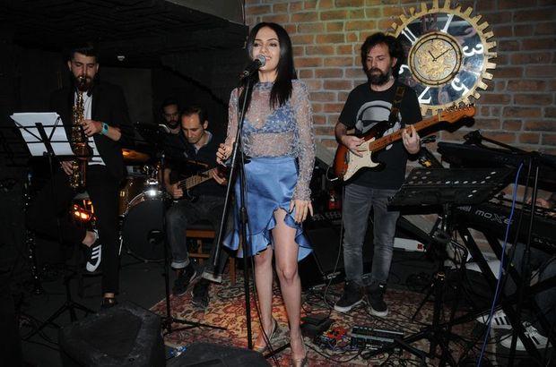 Mehtap Meral, 'Yana Yana' isimli ikinci albümünü yayınladı
