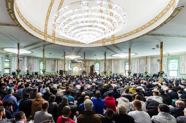 Hollanda'da camiler için tartışmalı öneri!