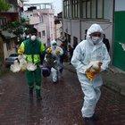 Bursa'da 4 katlı apartman tavuk kümesi çıktı