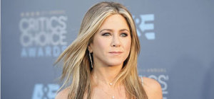 Jennifer Aniston'ın annesi öldü