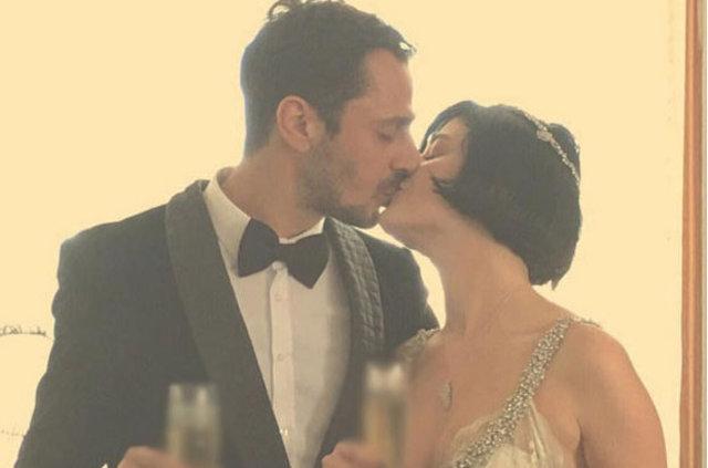 Gonca Vuslateri eşini öpücüklere boğdu
