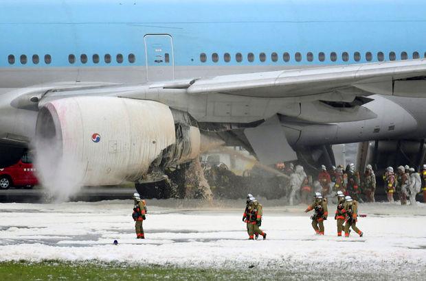 Kore uçağının kalkışta motoru alev aldı, yolcular tahliye edildi
