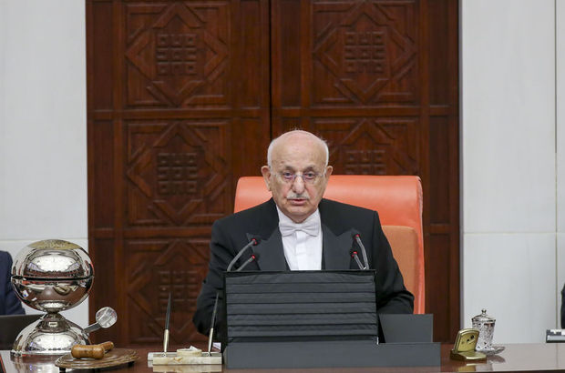 Meclis'te 27 Nisan darbesi kınandı
