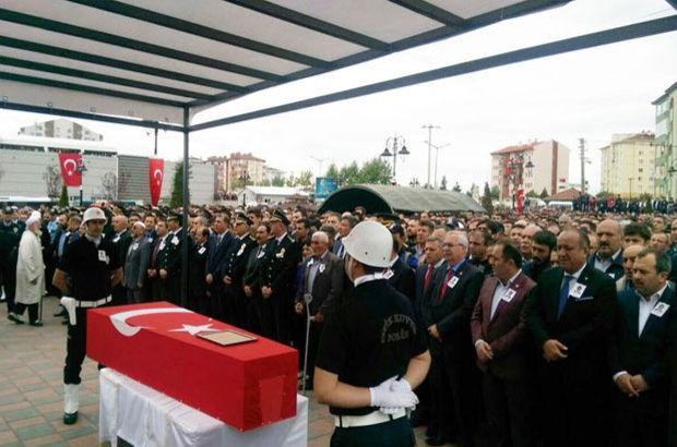 Şehit polis memuru Uğur Yıldız Kastomunu'da toprapa verildi