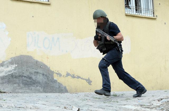 Şırnak'ta PKK 76 günde 180 evi ateşe verdi