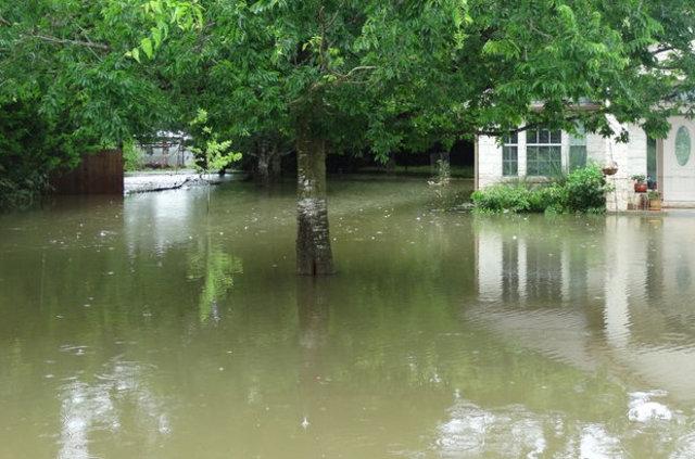 Sel felaketi: 2 ölü, 5 kayıp