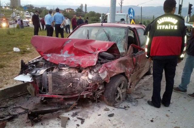 Kavşakta zincirleme kaza: 9 yaralı