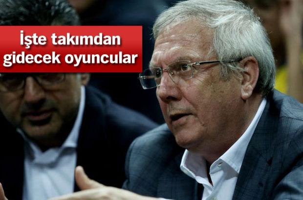 Fenerbahçe Başkanı Aziz Yıldırım, yeni sezonda takımdan gidecek futbolcuları belirledi