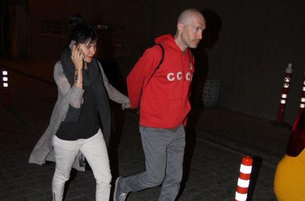 Şevval Sam ile sevgilisi Sarp Maden Asmalımescit'te görüntülendi