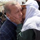 Erdoğan'ın Diyarbakır ziyaretinde şehit annesinden yakın ilgi