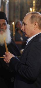 Vladimir Putin Aynoroz'daki manastırı ziyaret etti