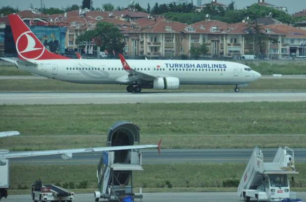 Bakanın bulunduğu uçak zorunlu iniş yaptı!
