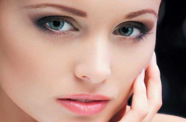 Renkli gözlü kadınlarda endometriozis tehlikesi!