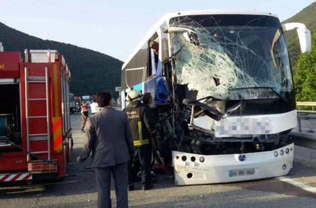 Mermer yüklü TIR'a arkadan otobüs çarptı! Çok sayıda yaralı var