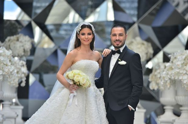 Best Model birincisi evlendi