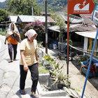 Endonezya 6.2 büyüklüğünde depremle sallandı