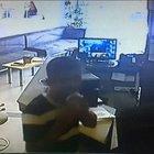 İzmir'de hırsızdan güvenlik kameralarına 'tükürüklü kağıt' yöntemi