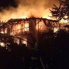 Bartın'da yıldırım düşen ev yandı
