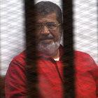 Darbeyle görevinden uzaklaştırılan Mursi'ye 40 yıl hapis cezası