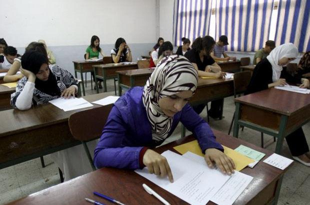 Cezayir'de lise bitirme sınav soruları sosyal medyaya sızınca, Twitter ve Facebook'a erişim geçici olarak engellendi