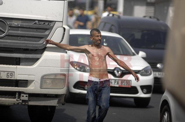 Mecidiyeköy'de yolu kesen çıplak vatandaş zor anlar yaşattı
