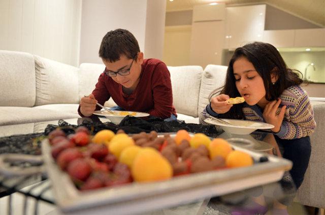 Konyalı Azmi ve Cansu Arıkan çifti 22 saatle en uzun orucu tutan Türk ailesi