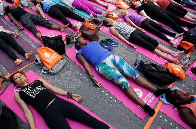 ABD'nin en ünlü meydanında yoga