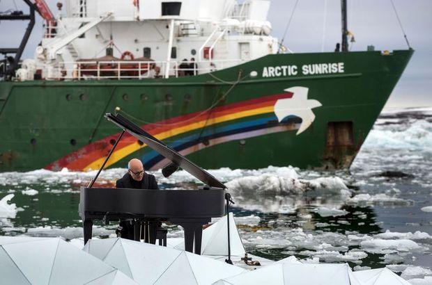 Buzullarda piyano resitali