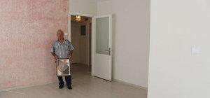 İzmir'de bir adam eşi tarafından soyulduğunu iddia etti