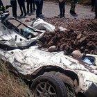 Çorlu'da bir araç hafriyat kamyonunun altında ezildi