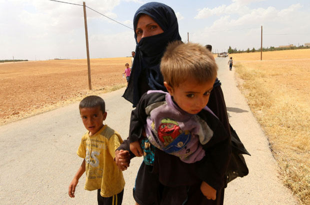 Terör örgütü IŞİD, Suriye Menbiç'te 900 Kürt sivili kaçırdı