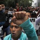 Meksika'da 21 aydır kayıp 43 öğrenci için protesto