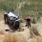 Yozgat'ta otomobil tarlaya uçtu: 1 ölü 4 yaralı