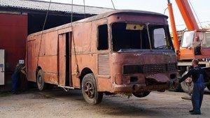 Dışı kamyonet, içi ev!