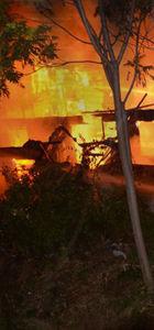 Bursa'da tarihi ev alev alev yandı