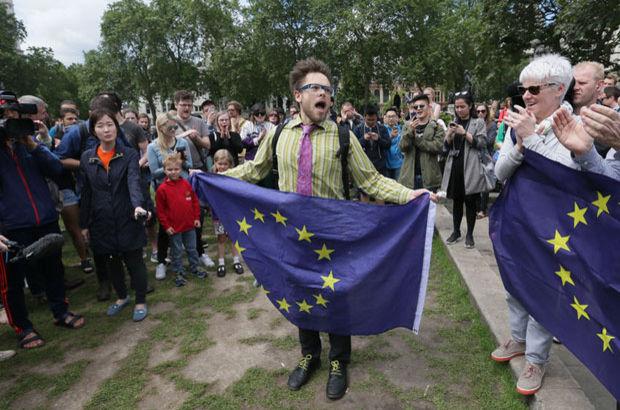 Brexit'in ardından İngiltere'de nefret suçları arttı