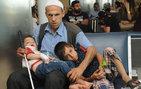 Belli aralıklarla çocuklarıyla Diyarbakır'dan İstanbul'a gidiyor! Çünkü...