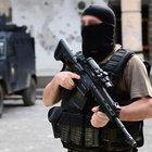 Hakkari'de bir terörist teslim oldu