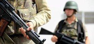 Diyarbakır Lice'de askere roketli saldırı