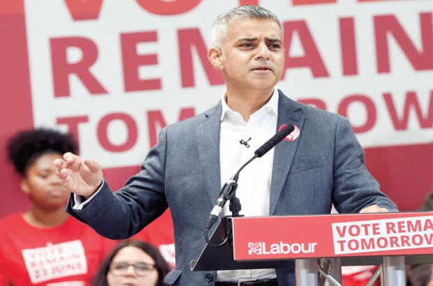 Londra Belediye Başkanı Sadiq Khan'dan özerklik açıklaması
