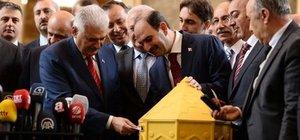 Başbakan Yıldırım'ın tebrik kartı güvenlik güçlerine ulaştı