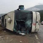 Kastamonu'da yolcu otobüsü devrildi: 25 yaralı
