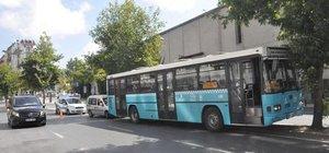 Şişli'de özel halk otobüsü kaza yaptı