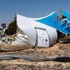 Düşen Mısır uçağının enkazında yolcuların cesetleri çıkarıldı