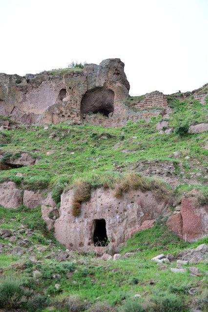 52 odalı yeraltı şehri bulundu