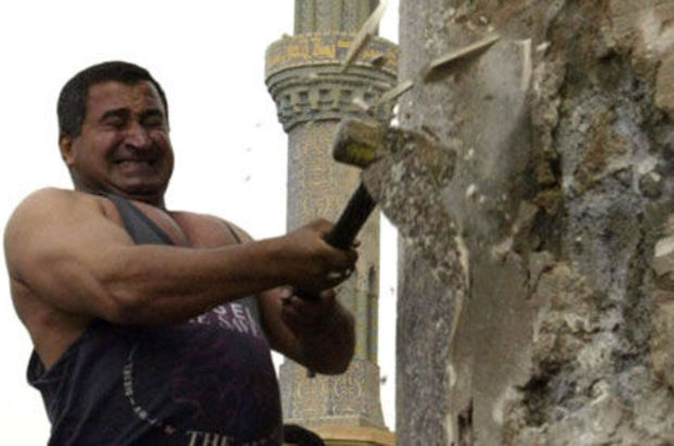 Saddam'ın heykelini yıkan Iraklı'dan itiraf