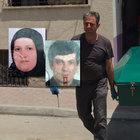 Mersin'de bir kişi eşini önce bıçakladı, sonra atletle boğdu