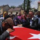 Yüksekova'da şehit korucu Mehmet Genç toprağa verildi