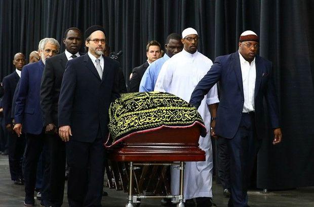 'Muhammed Ali'nin tabutunu taşıyan Türk' konuştu
