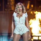 Beyonce, konserinde ABD'de polis tarafından öldürülenleri andı